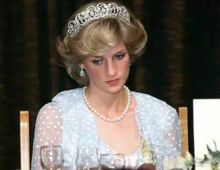 岁月不是童话 永远的戴安娜王妃