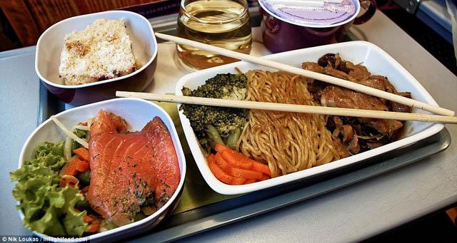 只为吃遍世界各国飞机餐