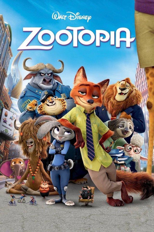 """所以这部动画的制作团队,是大家都钟爱的《冰雪奇缘》(Frozen)、《超能陆战队》(Big Hero 6)原班人马。故事发生在集齐了呆萌动物的""""乌托邦""""大都会,从富丽堂皇的撒哈拉广场到常年严寒的冰川镇,场面也奇幻唯美。和狐兔CP一起来庆祝,戳这里。 """"Zootopia"""" has won the best animated film Academy Award."""