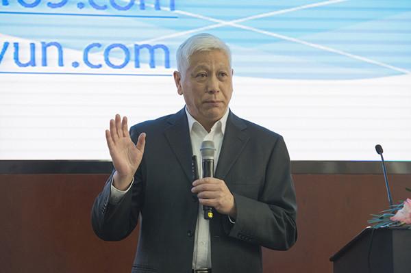 中国教育学会外语教学专业委员会理事长龚亚夫阐述英语教育的价值.