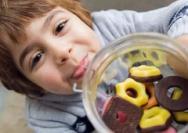 越困越想吃零食是怎么回事?