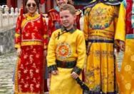"""""""假笑男孩""""来中国了!"""