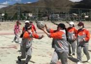 西藏女孩追逐篮球梦